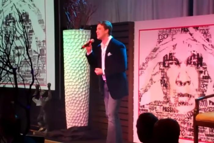 Benjamin Utecht Sings for Muhammad Ali